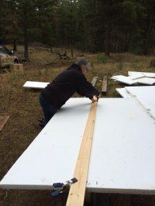 Cutting foam insulatioin